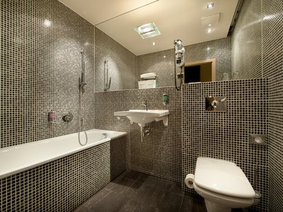 EA Hotel Crystal Palace**** - bathroom