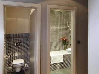 EA Hotel Crystal Palace**** - bathroom, WC